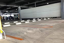 広々な駐車スペース